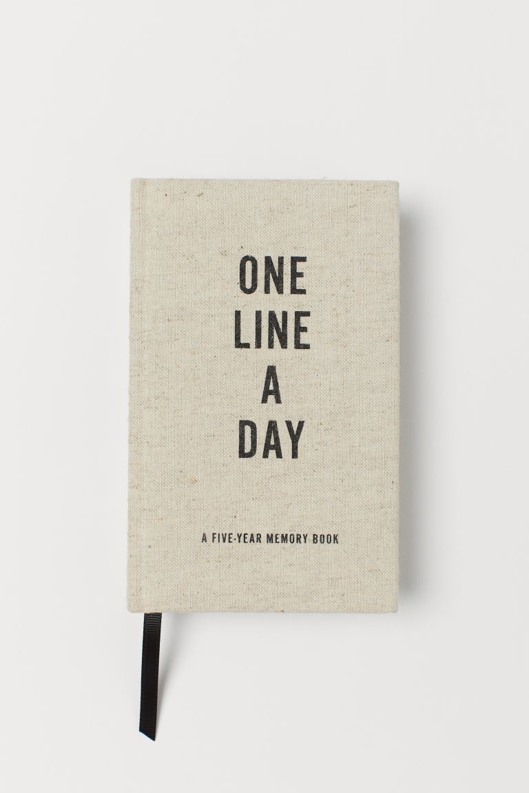 h&m one line a day book