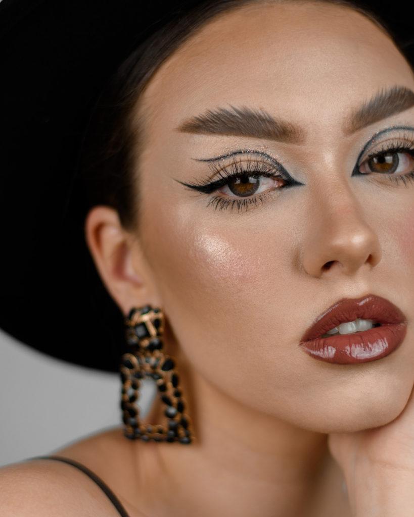 inner cut eyeliner